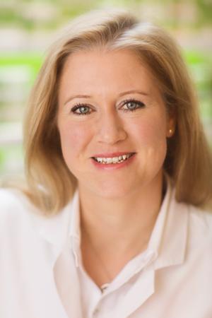 Dr. Sabine Schmitz